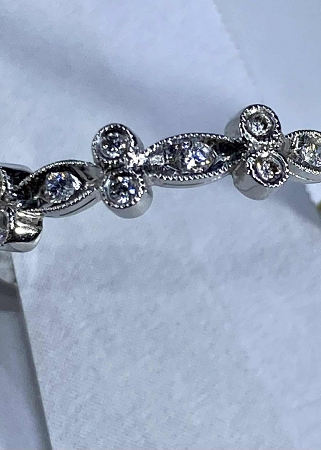 14K White Gold Diamond Band (105-433)
